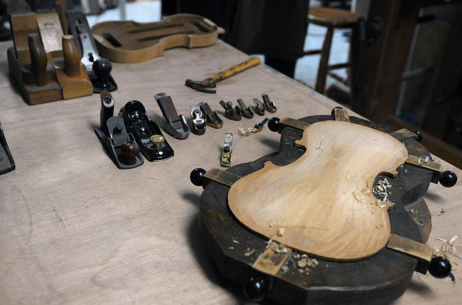 Violin Making - tools - luthier Juan Carlos Soto