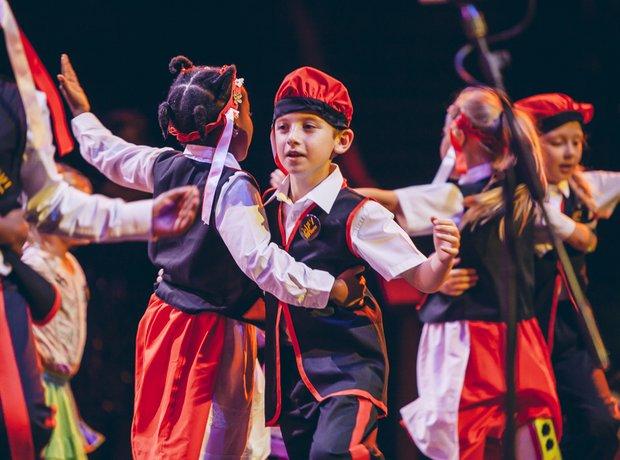 Schools Prom Monday 10th November Performance St E