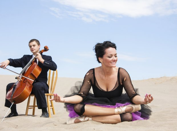 How To Play The Cello According To Stock Photos Classic Fm