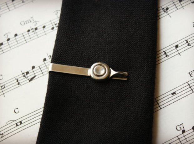 flute key tie-pin