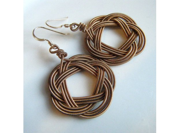 Guitar strings earrings
