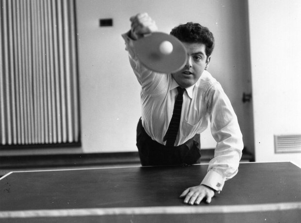 Daniel Barenboim playing ping-pong