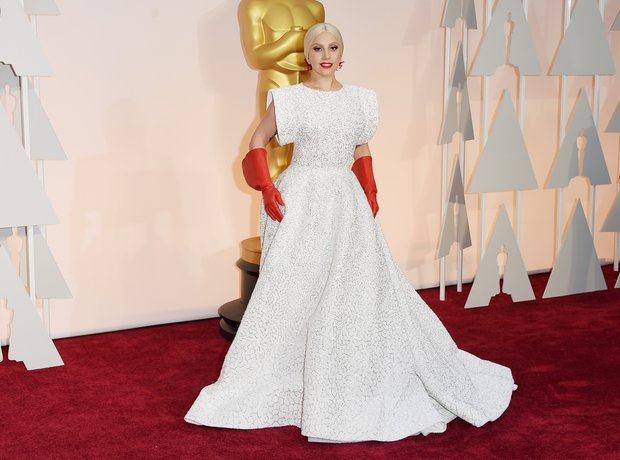 Lady Gaga arrives at the Oscars 2015