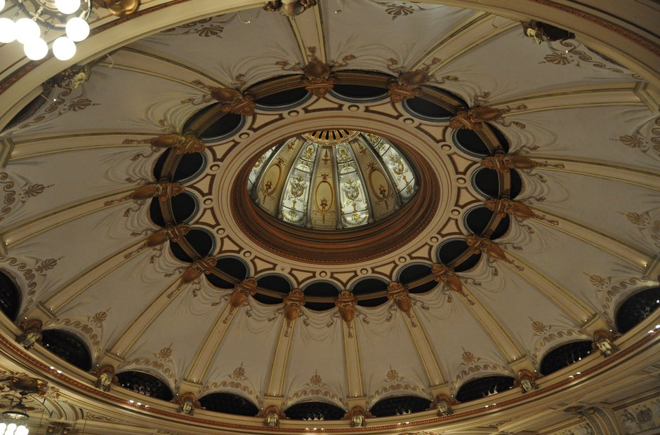 London Coliseum Dome ENO