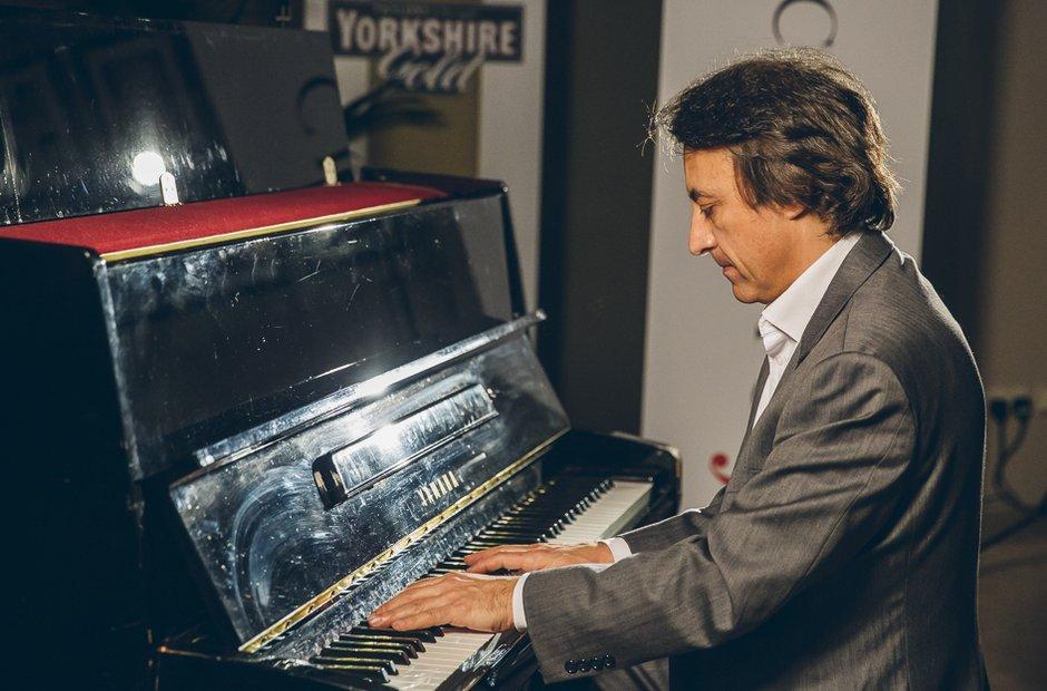 Jean-Efflam Bavouzet Classic FM Live 2015 backstag