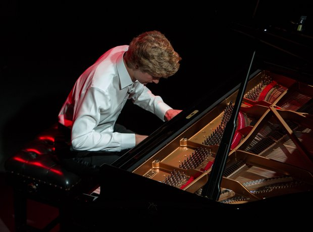 Jan Lisiecki performance