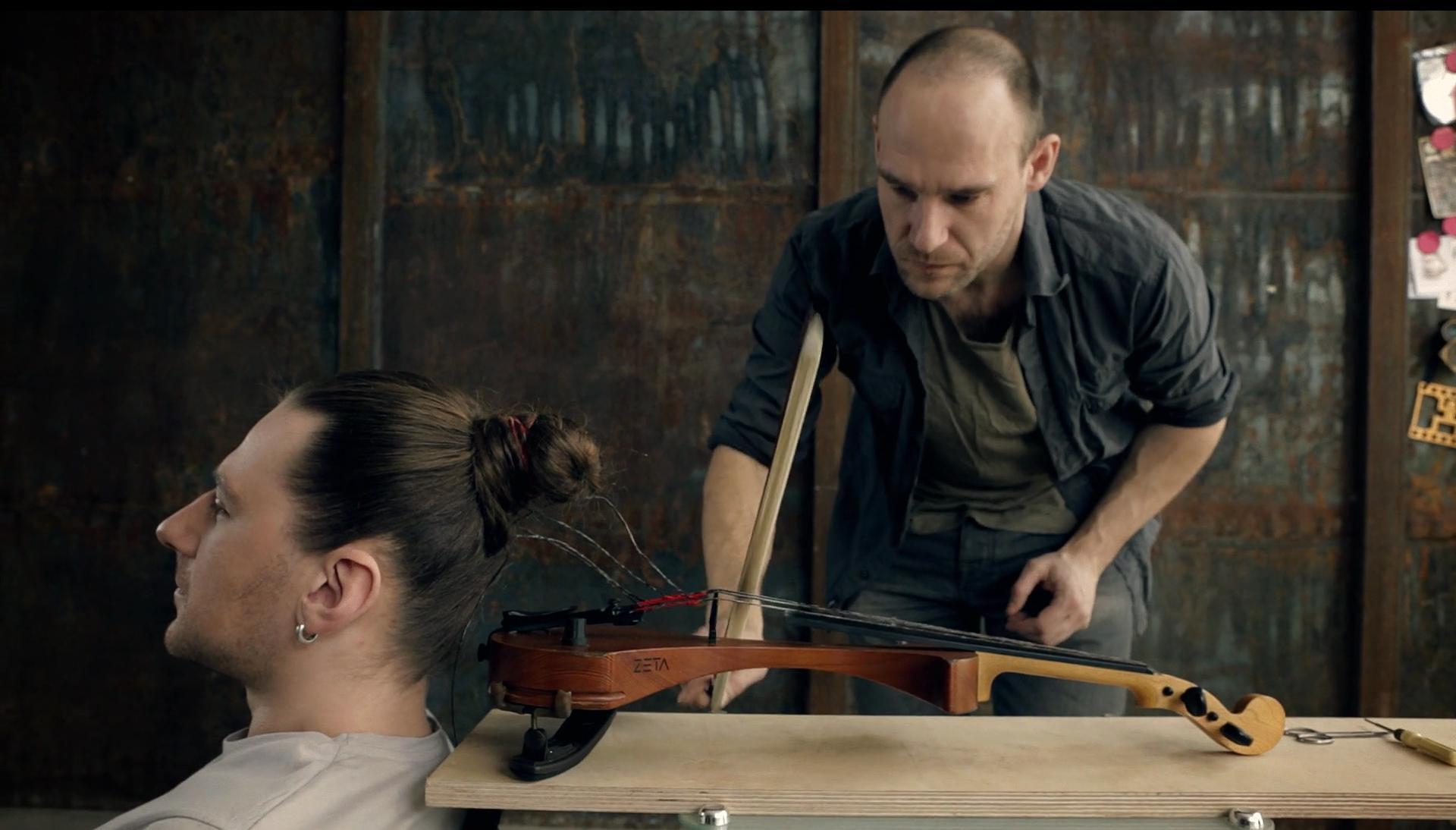 Human hair violin
