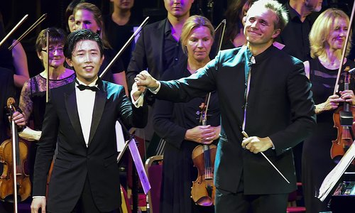 Ji Liu and conductor Vasily Petrenko