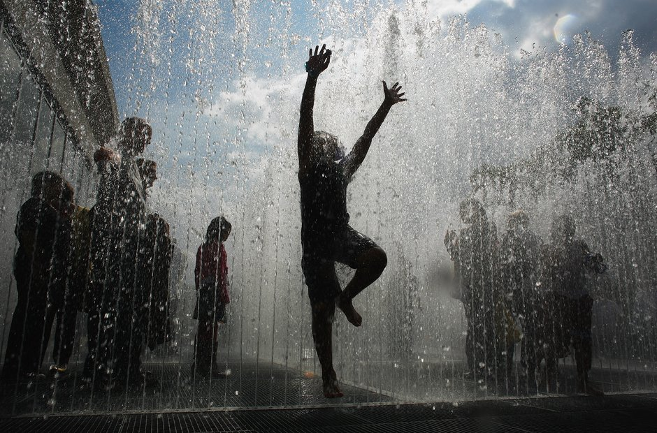 Southbank Centre Appearing Rooms Jeppe Hein fountain