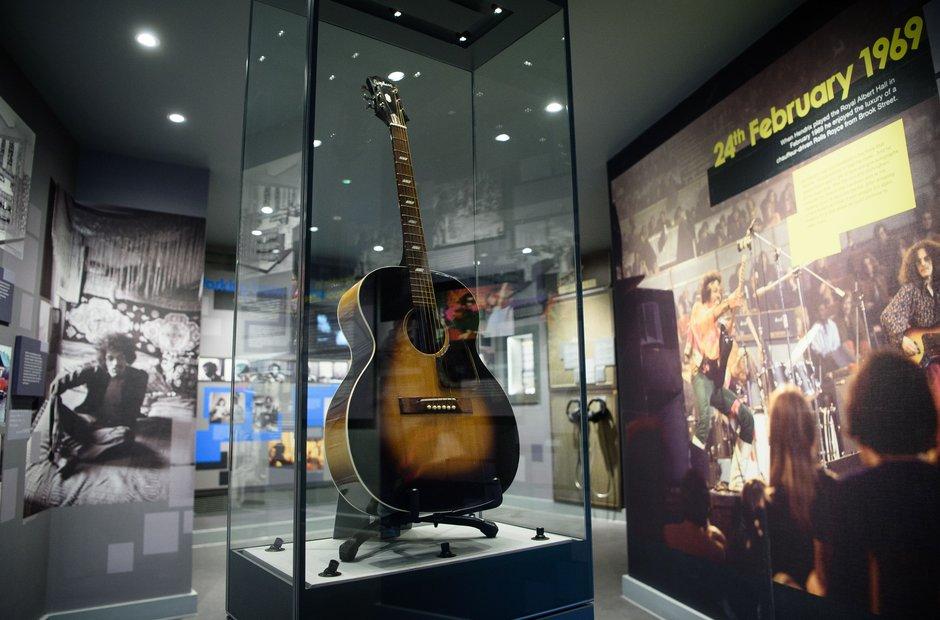 Handel Hendrix Brook Street Epiphone guitar