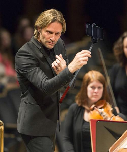 Eric Whitacre selfie