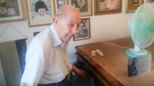 This 95-year-old tenor can still sing a high E flat with