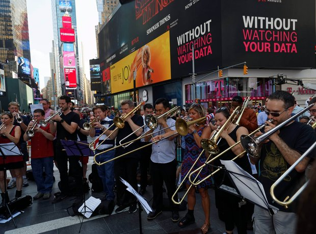 Musicians tribute to victims of Nice tragedy