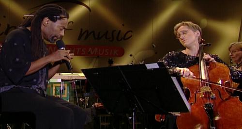 Watch Bobby McFerrin SING Vivaldi's double cello concerto