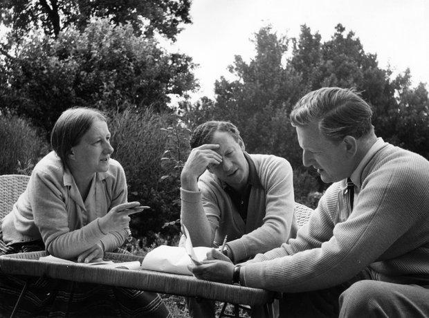 Britten  Imogen Holst Benjamin Britten and tenor P